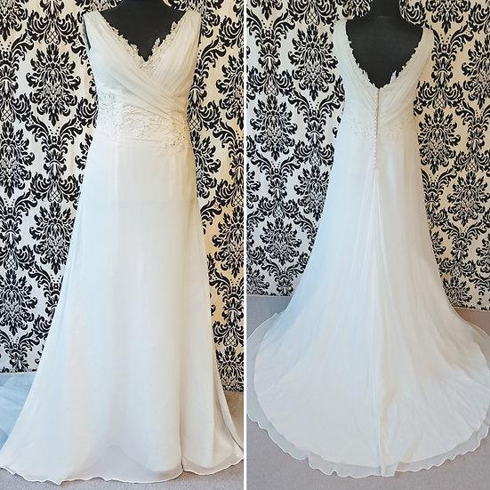 Size 14 Heidi Hudson chiffon & lace wedding dress