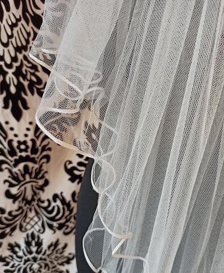 Ivory tulle 2-layer ribbon-edge elbow-length veil