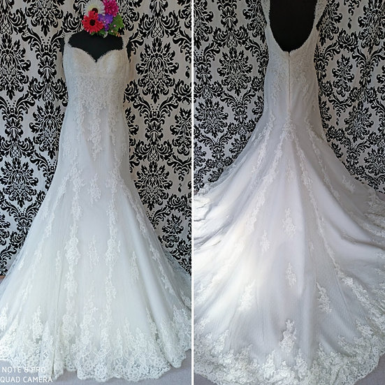Size 12 San Patrick lace fit & flare wedding dress
