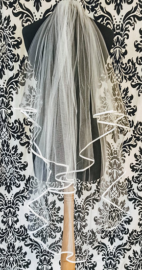Ivory fingertip double-layer veil with ribbon edge