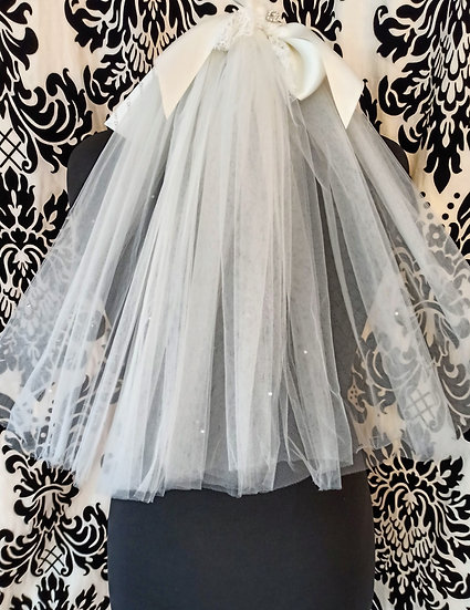 Ivory tulle double layer short veil with satin bow and crystals