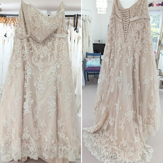 Size 30/32 Essence champage and ivory lace full A-line wedding dress