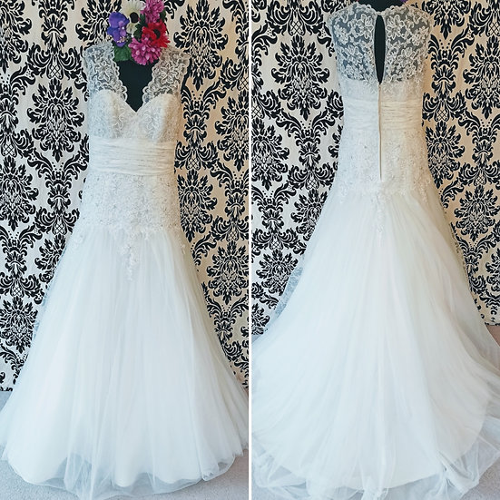 Size 12 Alfred Angelo ivory lace and tulle wedding dress