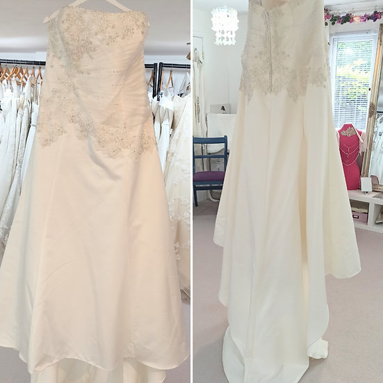 Size 26 ivory lace and satin A-line wedding dress