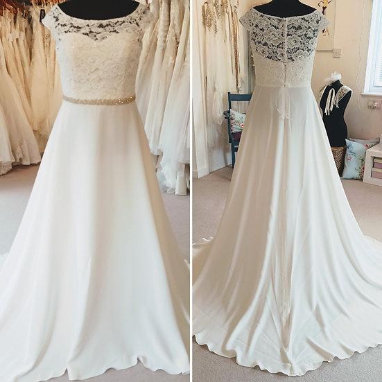 Size 18 Bianco Evento NEW lace & crepe wedding dress