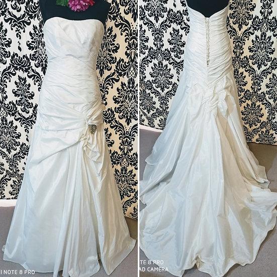 Demetrious taffeta a-line wedding dress size 10