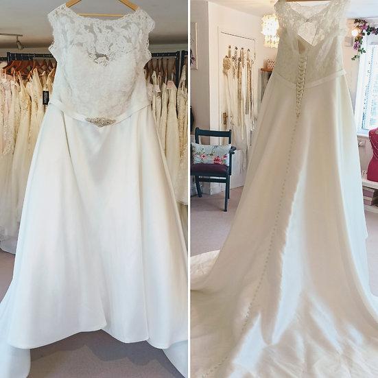 Size 26 Phoenix Envy lace and mikad0 wedding dress