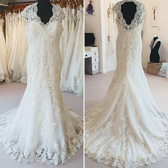 Size 20 lace fit and flare wedding dress with cap sleeves and keyhole back