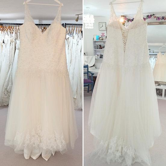 Size 26 Sonsie ivory wedding dress with straps