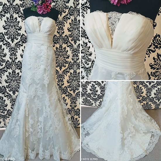 Lise Saint Germain ivory lace fit & flare wedding dress size 8 to 10