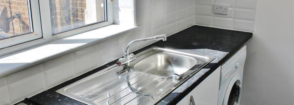 da17 kitchen 2.jpg