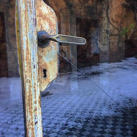 Una porta può nascondere migliaia di cos