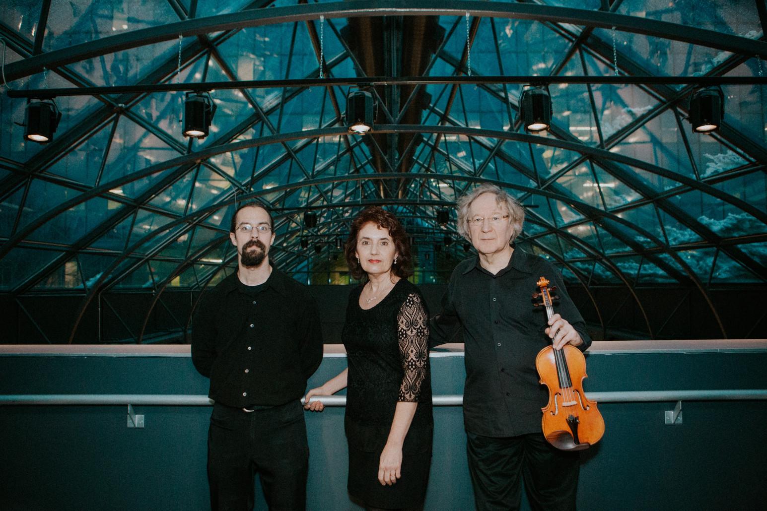 Trio Grafeneck 10654 (Olivier Maranda, Louise Bessette, Helmut Lipsky)