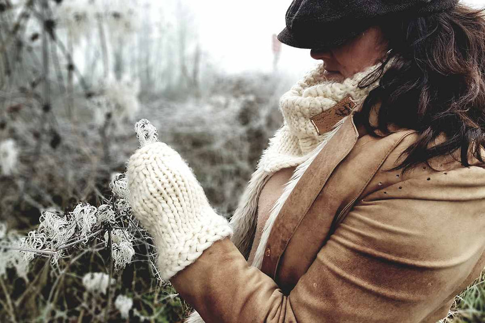 winter cream scarf.jpg
