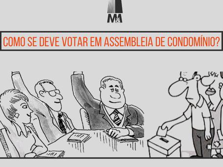 Como se deve votar em assembleia de condomínio?