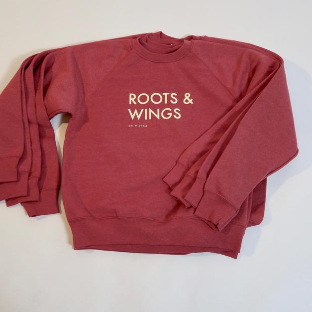 Hallonröd Sweat ROOTS & WINGS 599:-