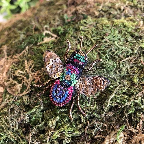 Trovelore Rainbow Bee Brooch