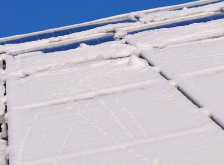 How To Remove Snow From Solar Panels Without Freezing in The Process
