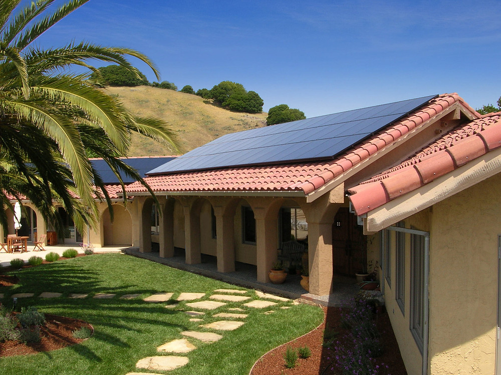 southern California home with sunpower solar panels on roof