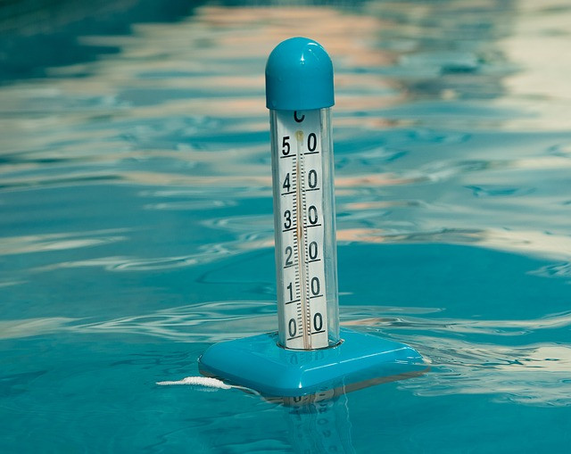 floating thermometer in pool