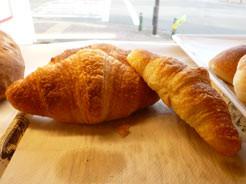 クロワッサンで 朝食を♪