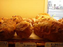 ウェスト ビィラージュさんのパン