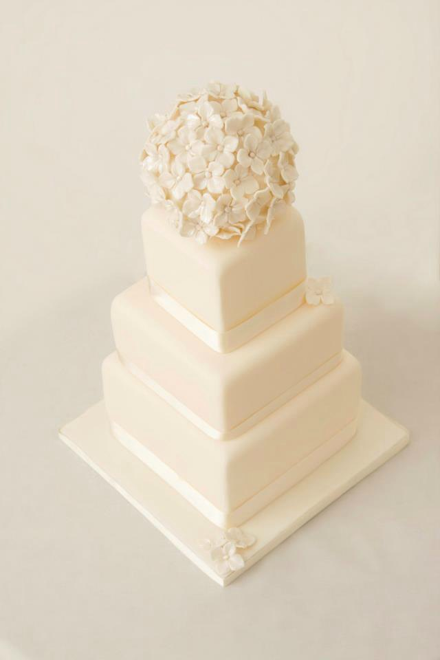 3 tier ivory hydrangea wedding cake