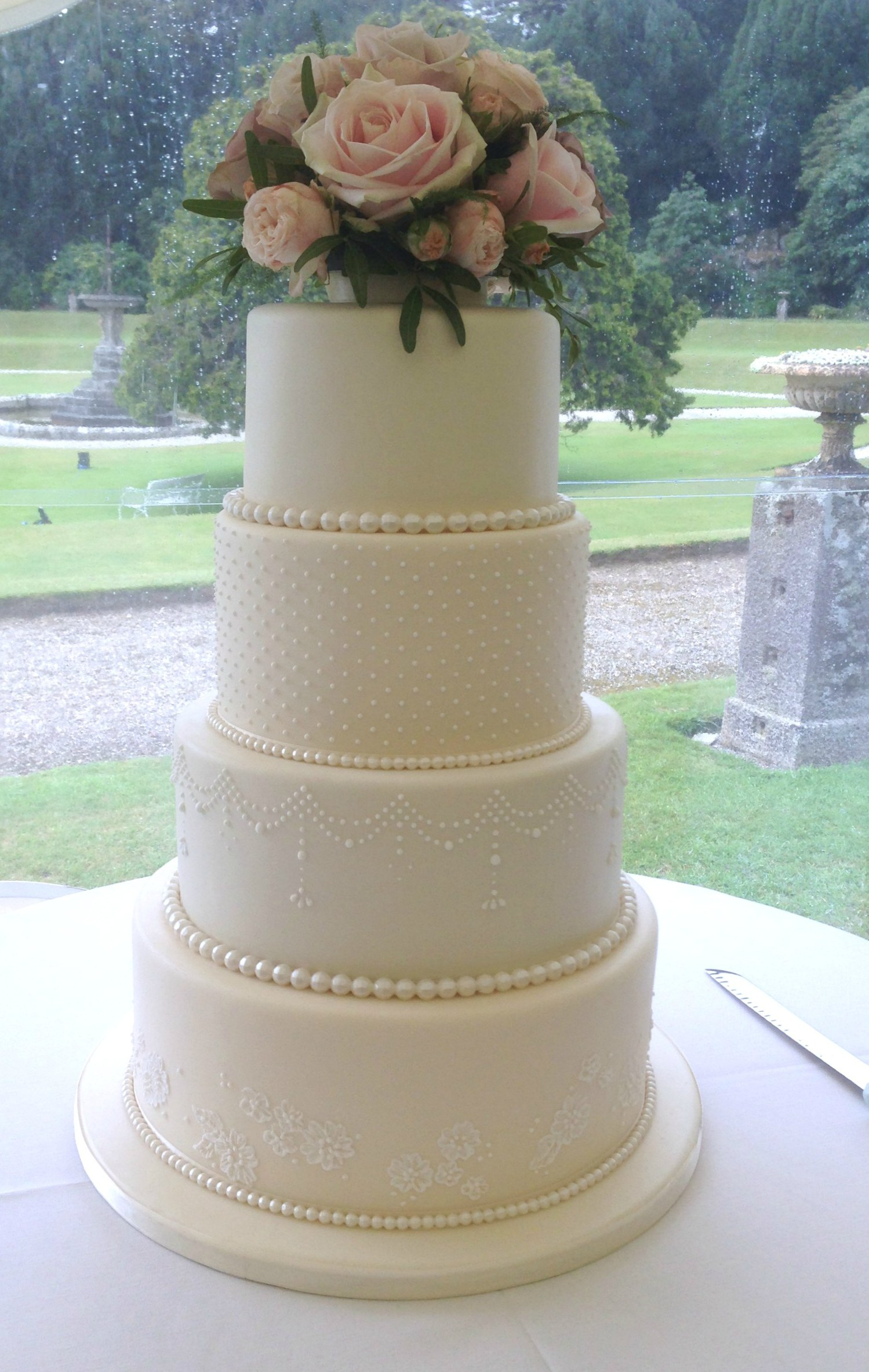 LISA - 4 Tier Ivory Wedding Cake