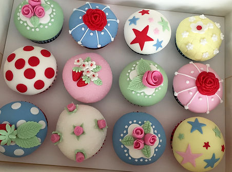 Cath Kidston cupcake class, Cath Kidston craft ideas, fondant dome cupcakes, Cupcake Class Cornwall