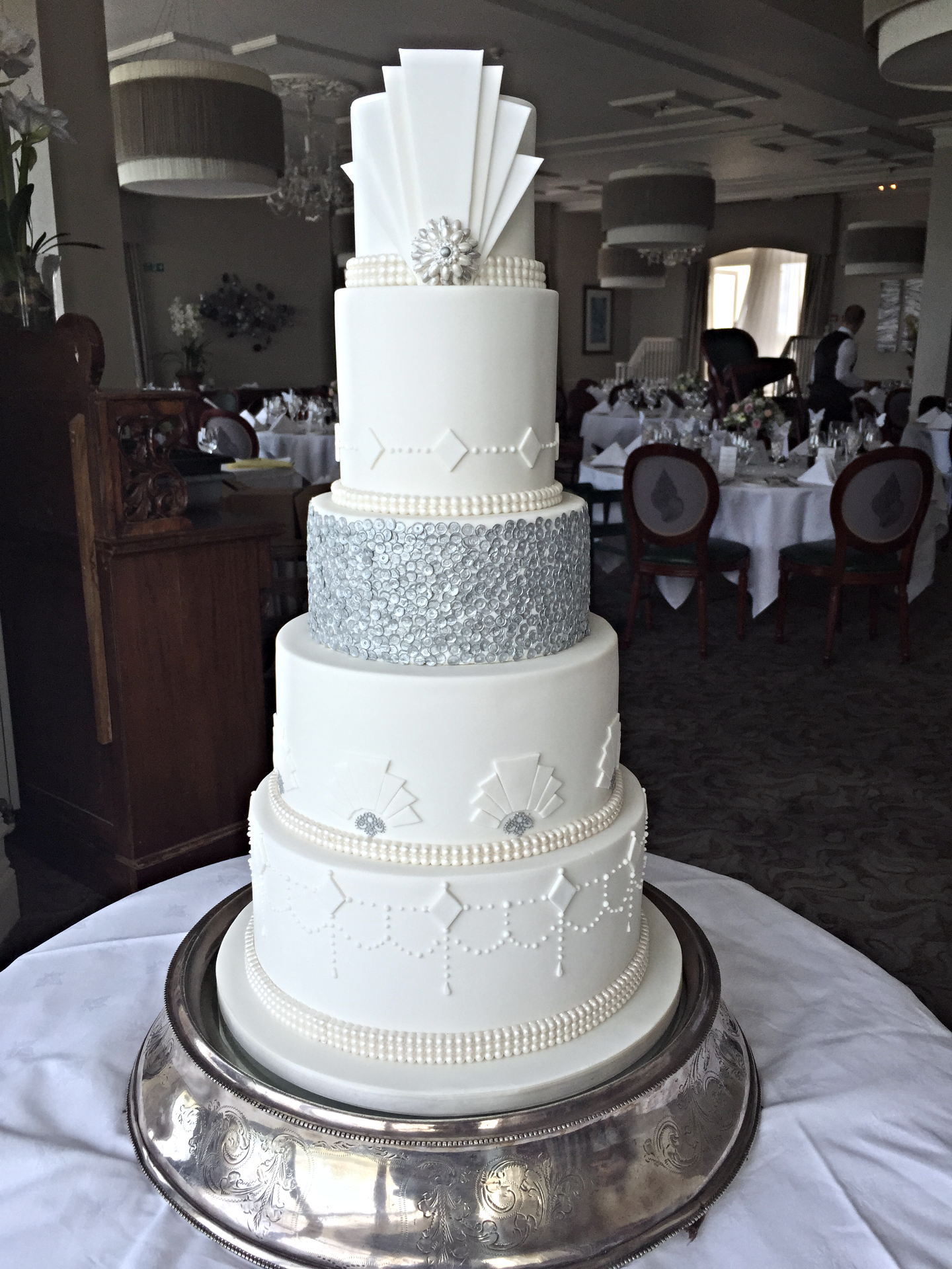 "1920""s themed wedding cake"