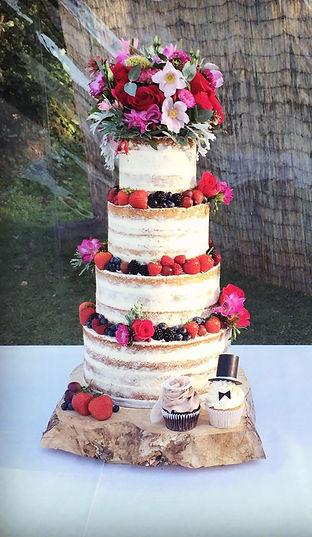 3 tier swiss dot and fresh flower wedding cake,  www.cupcakemama.co.uk