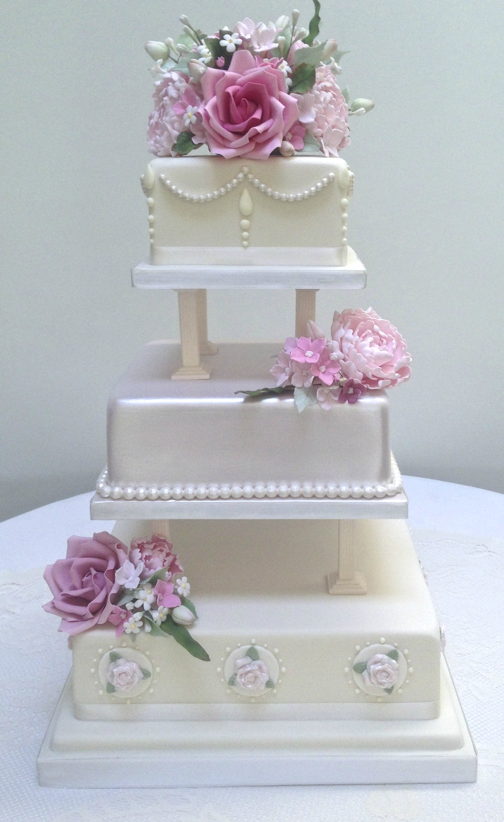 Magnificent 3 Tier wedding cake