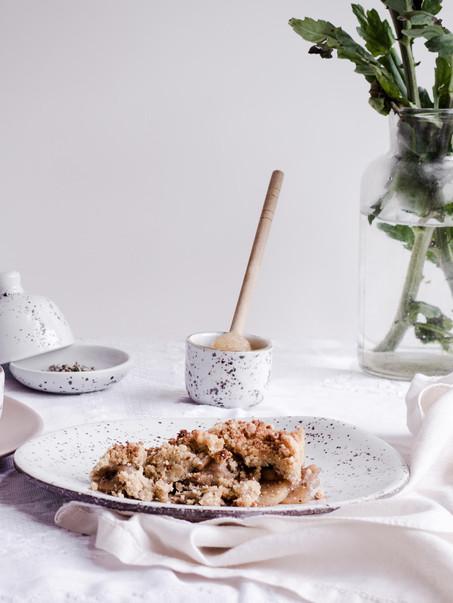 Crumble de manzana con harina de coco y almendras