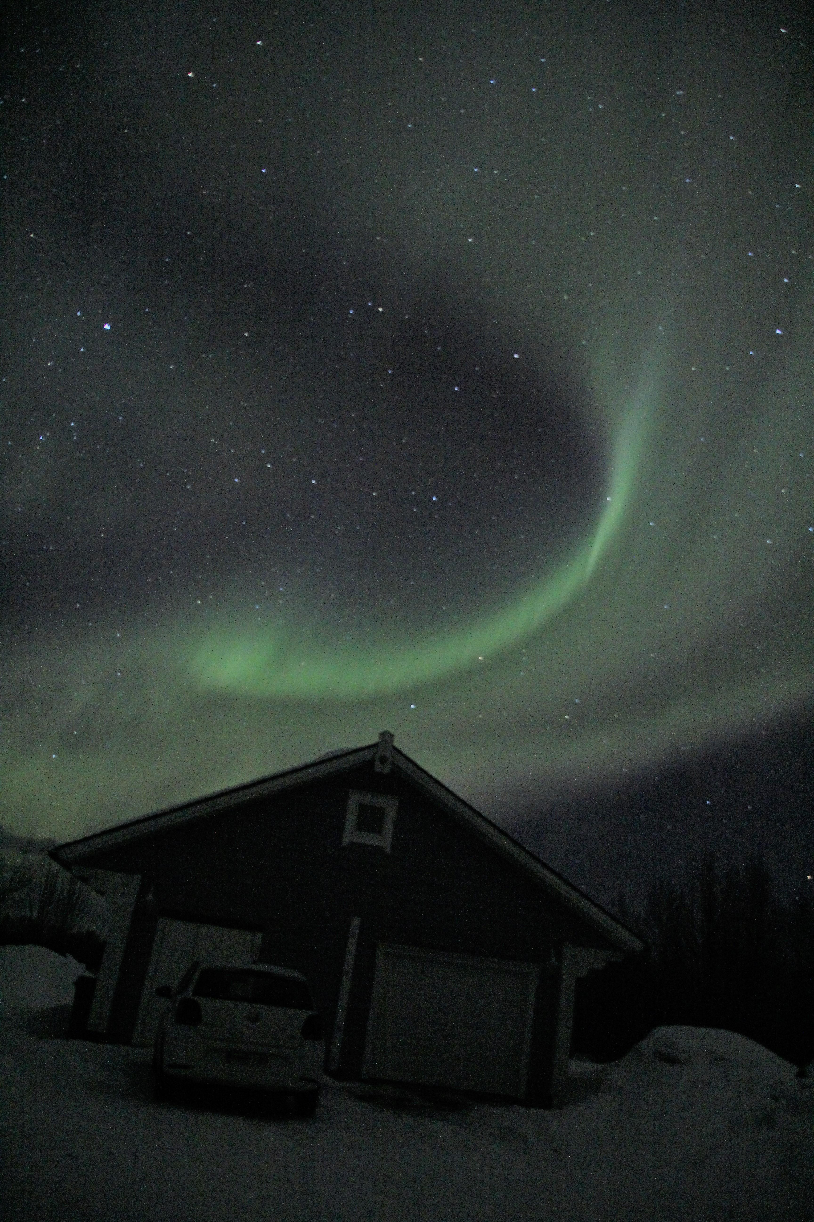 Polarlichter über der Garage