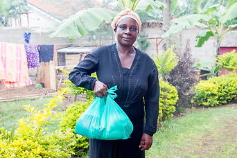Jaja Lukia collecting her food donations