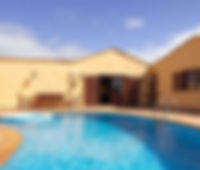 PIEDRA_BLANCA_piscina.jpg