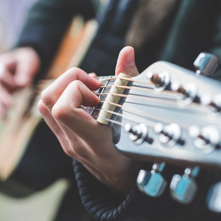 10 reasons you should start learning a musical instrument.