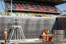 Construction de la tribune Sud de Saint-Symphorien