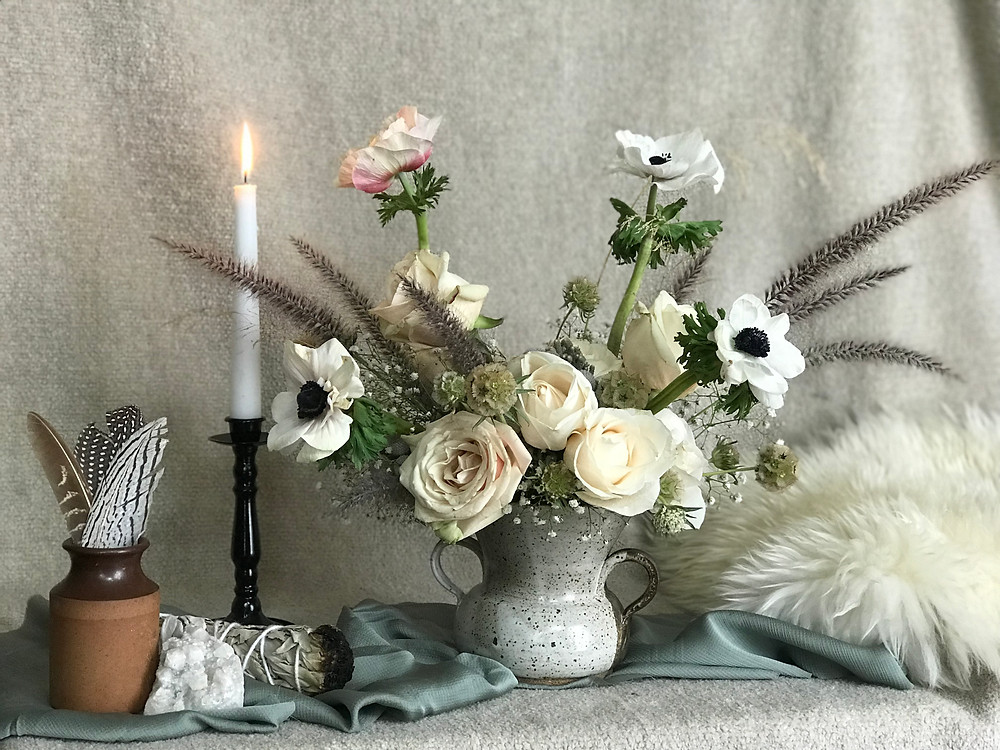 Floral arrangement for a winter wedding in Idaho