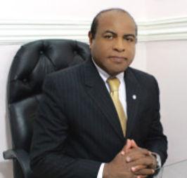 Doctor Edgar Terán  Cirugía Plástica Estética y Reconstructiva Especialista en : Estética - Ósea Reconstructiva - Lipotransferencia - Labio Leporino - Paladar Endido