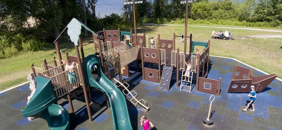 Commercial-Playground-1024x675 (2).jpg