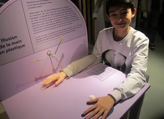 Visite du musée de la Main par les 9H