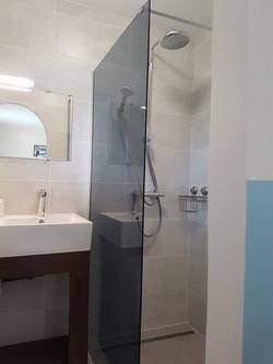 Vesenca-badkamer-slaapkamer-2