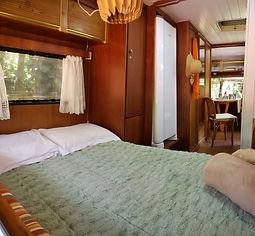 Trailer Voador_Interno-quarto-cama.jpeg