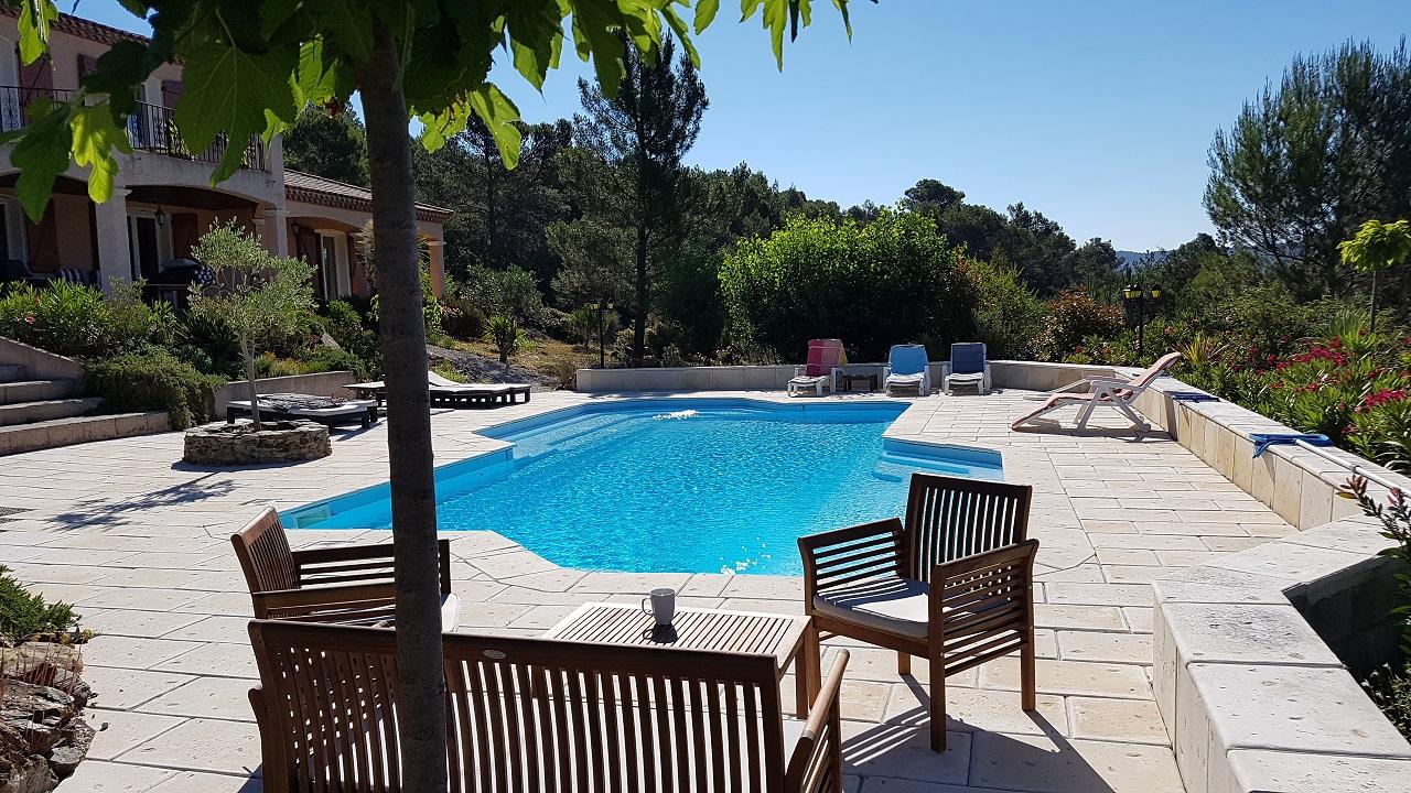 Villa-la-Vesenca-zwembadzitje