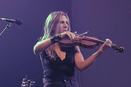 julie rock photo.jpg