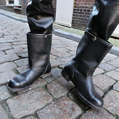 Leren laarzen met stalen neus 44