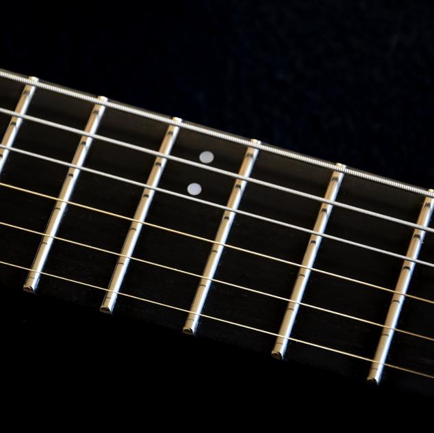 Treble-bass 3mm dot inlay