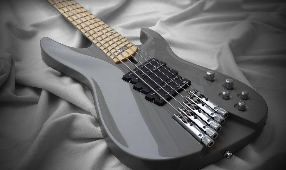 Taisto Guitars iZEN-5MS headless bass guitar