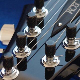 7-string headstock
